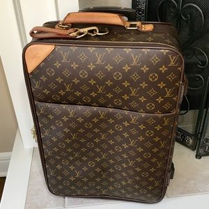 Authentic Louis Vuitton Monogram Pegase 55 Roller